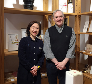 With Hachikura Manager and gift wrapping specialist, Jun Kitsu
